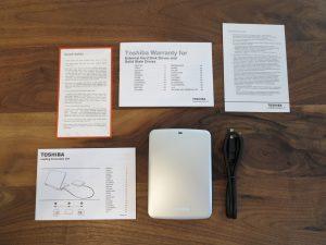 Toshiba - STOR E CANVIO externe-Festplatte 2TB ausgepackt
