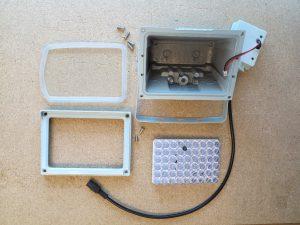 Infrarot LED Scheinwerfer zerlegt
